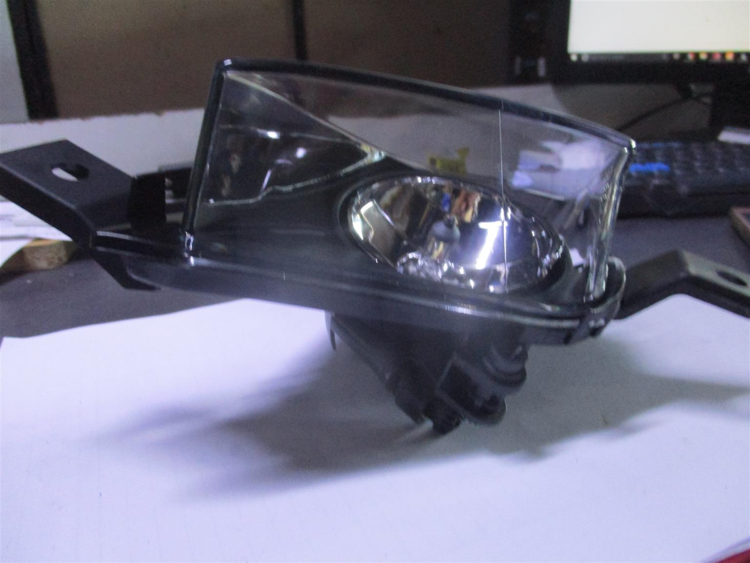 BMW E90 RIGHT HAND FACE LIFT FOG LIGHT