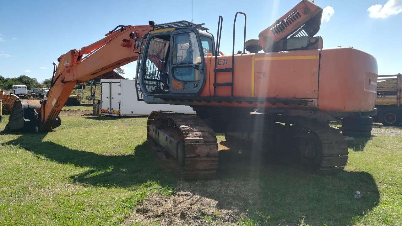 Hitachi EX455 excavator