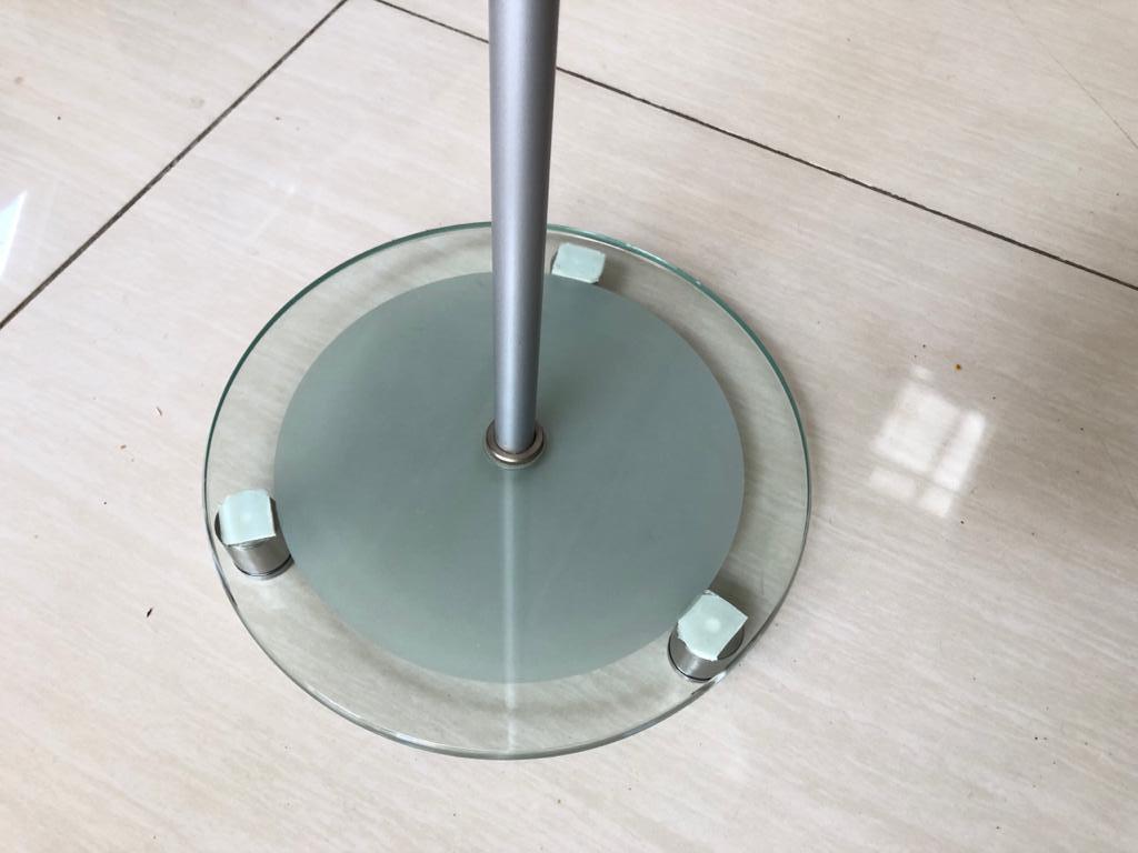 Designer Glass bottom Speaker stands for hifi / surround speakers