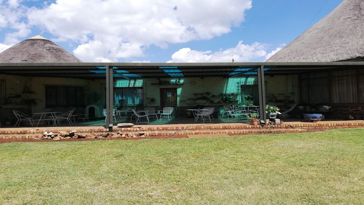 Farm For Sale in Jackaroo Park