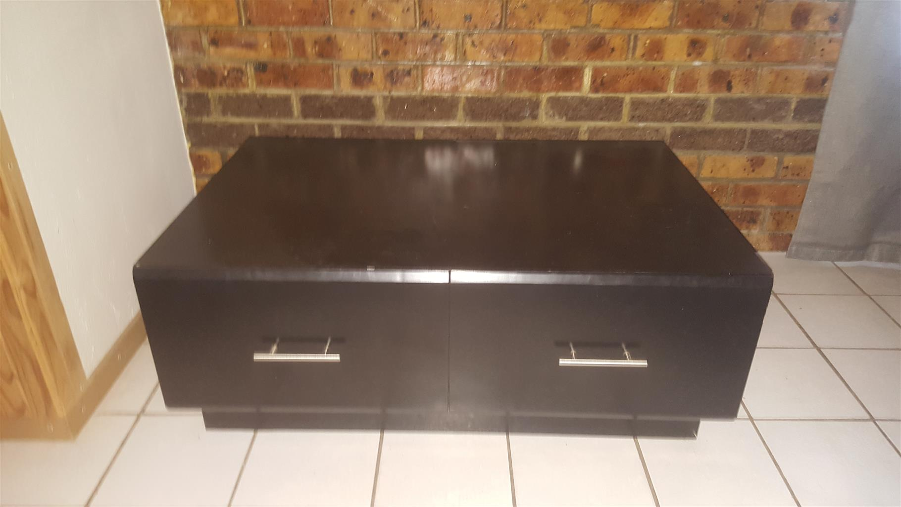 Tv, coffee cabinet, tv cabinet, weber braai, solid wood table & chairs