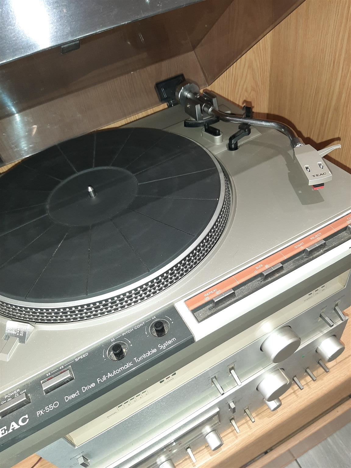 Teac integrated Hi Fi system, PX 550 turntable, TX 550 tuner, BX 550 amp.