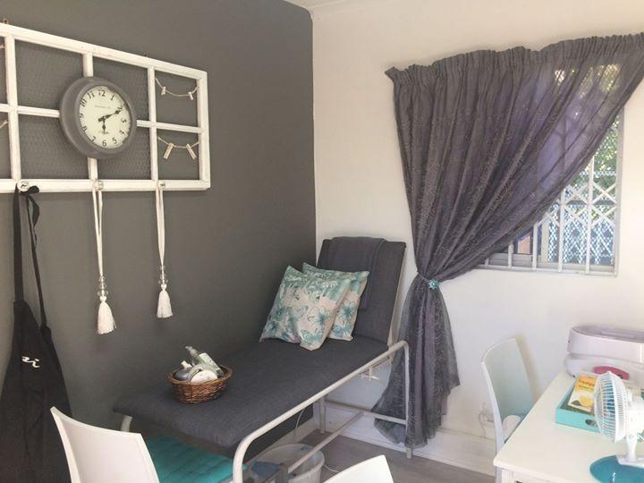Salon beauty /massage bed