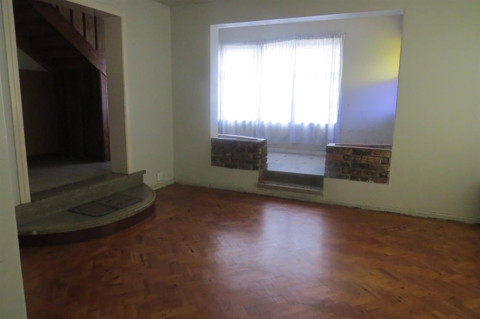 House For Sale in Grassy Park