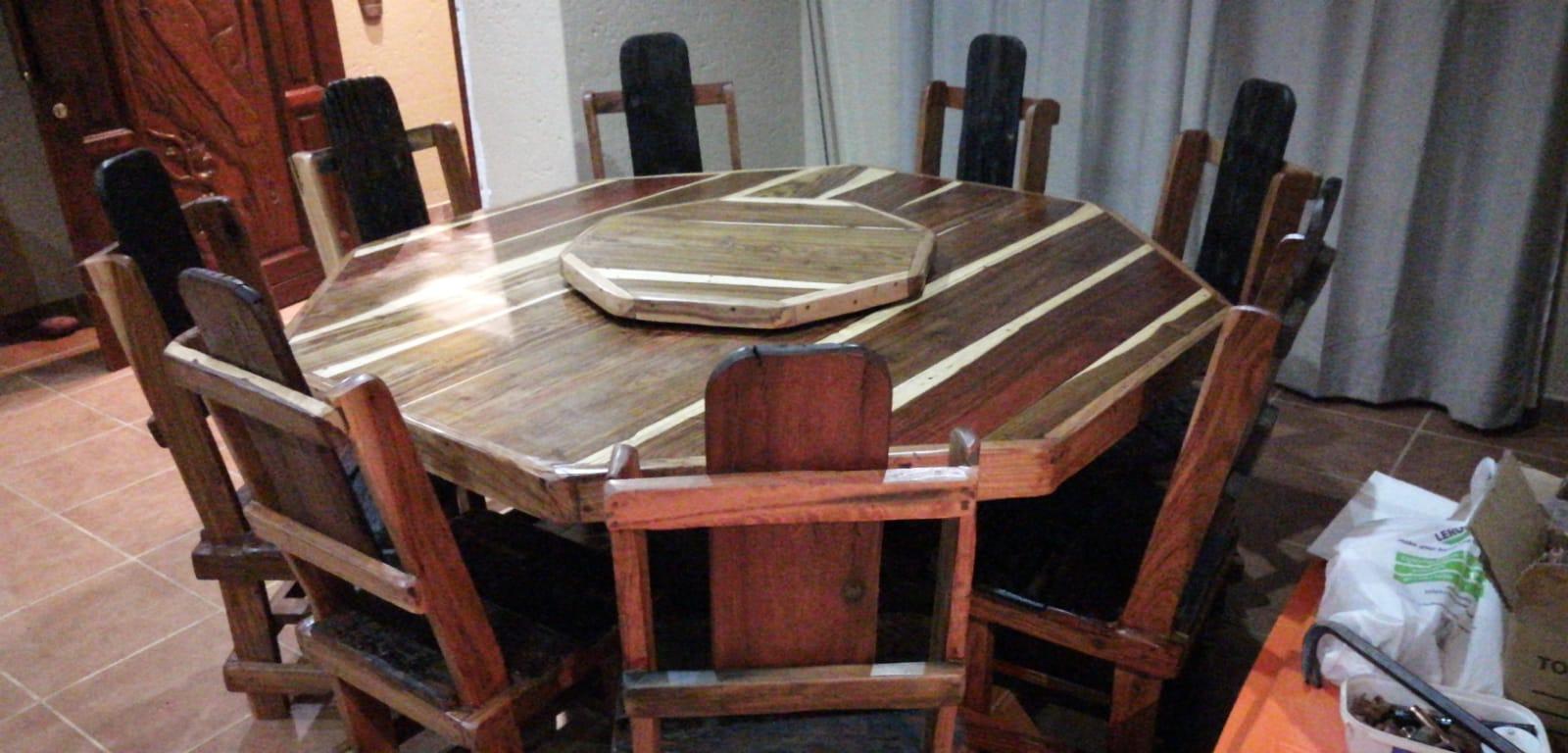 8kant tafel met stoele 8000  lazy zuzan 1500