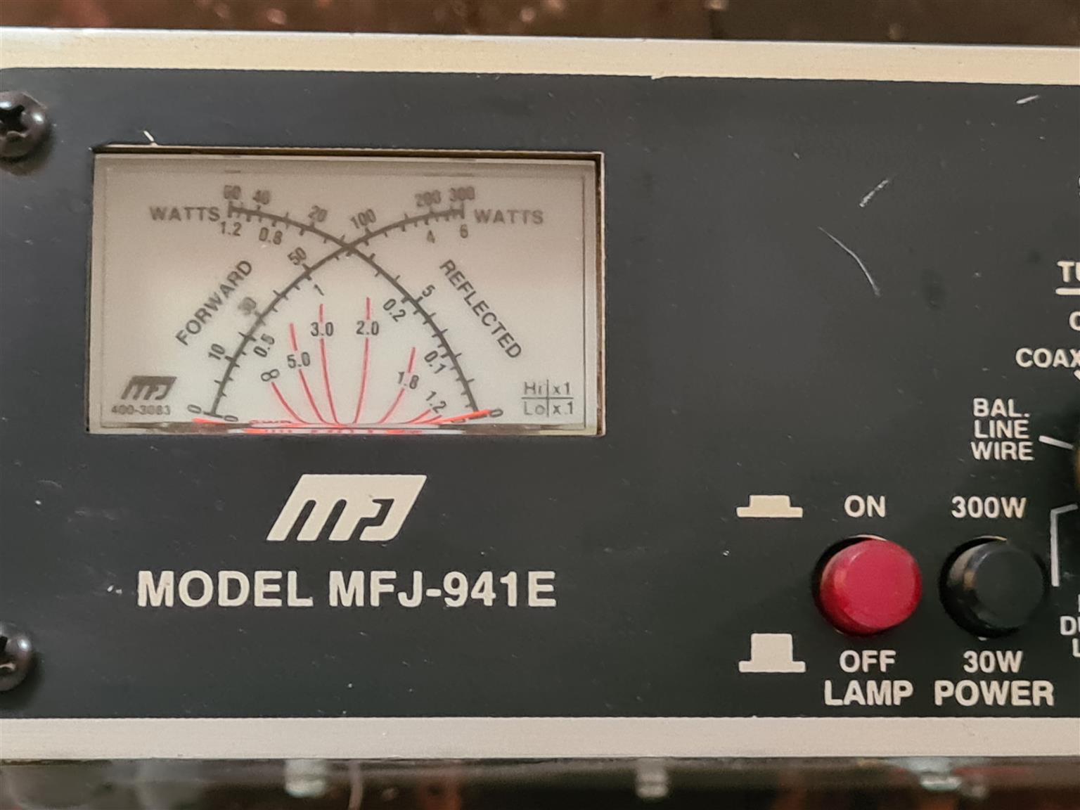 MFJ-941E, TUNER, HF, 300 WATTS, WITH MINI CROSS METER