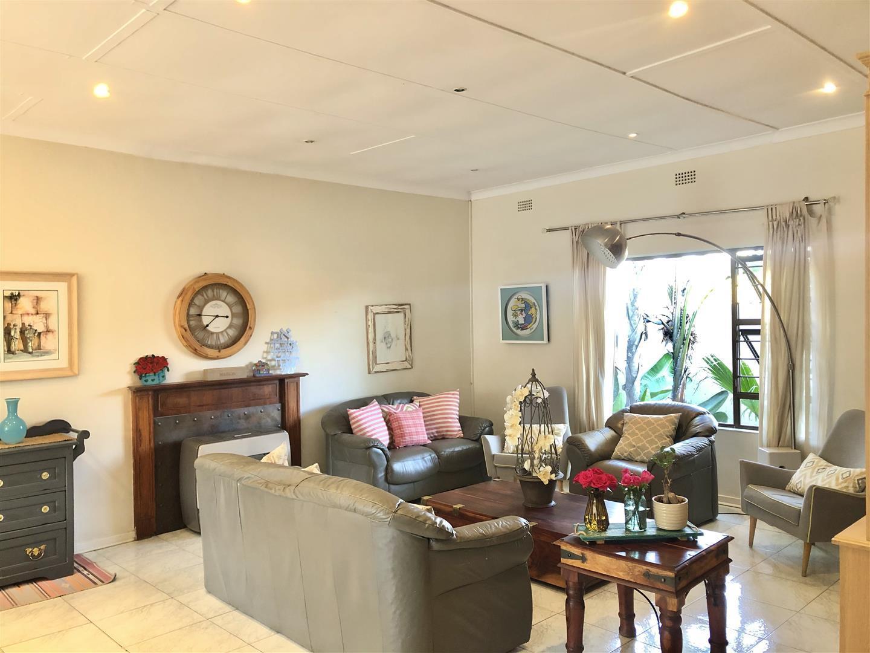 House For Sale in Fairmount