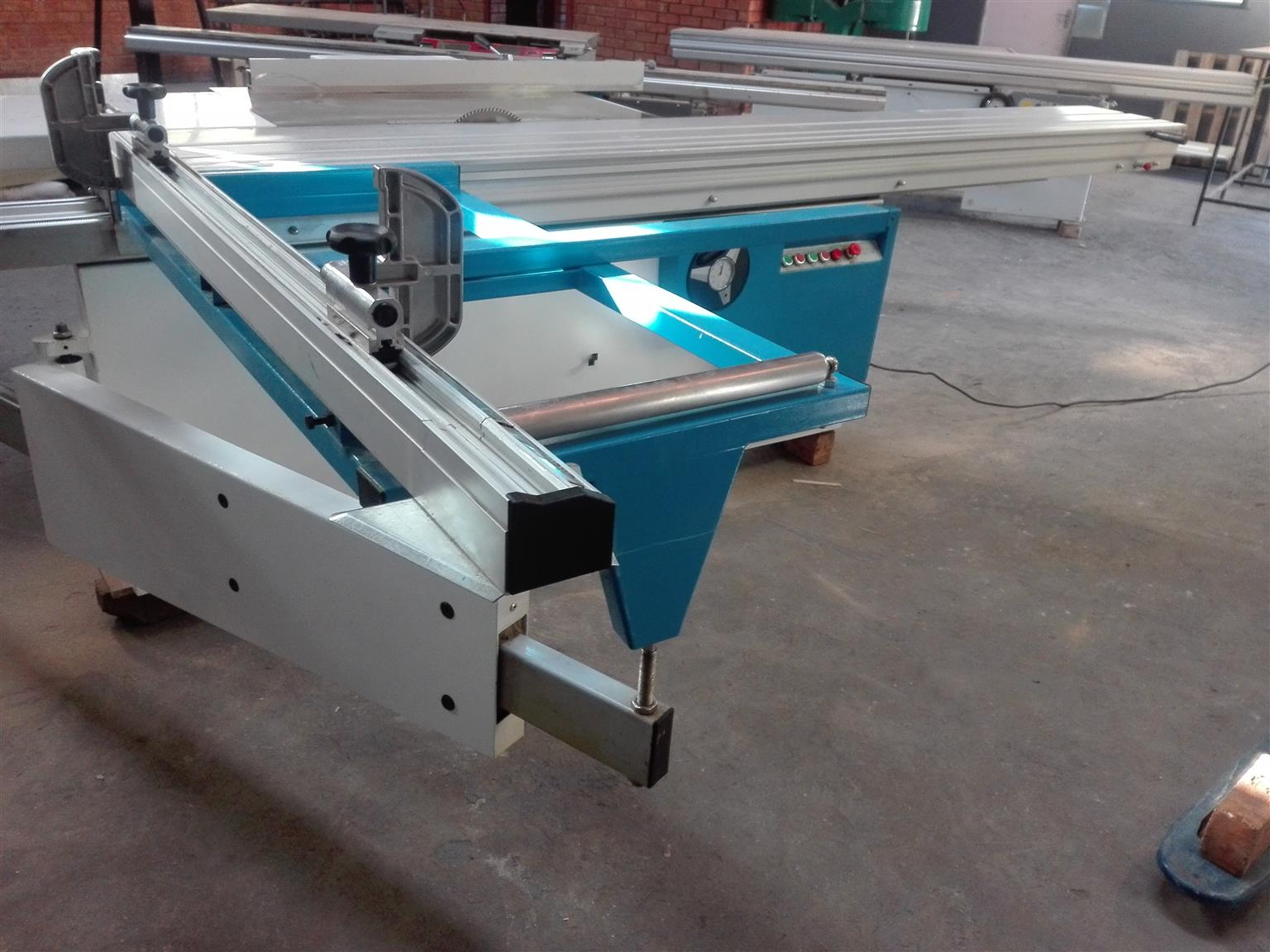 Panel Saw for Sale - Winstar MJ45YA in Excellent Condition