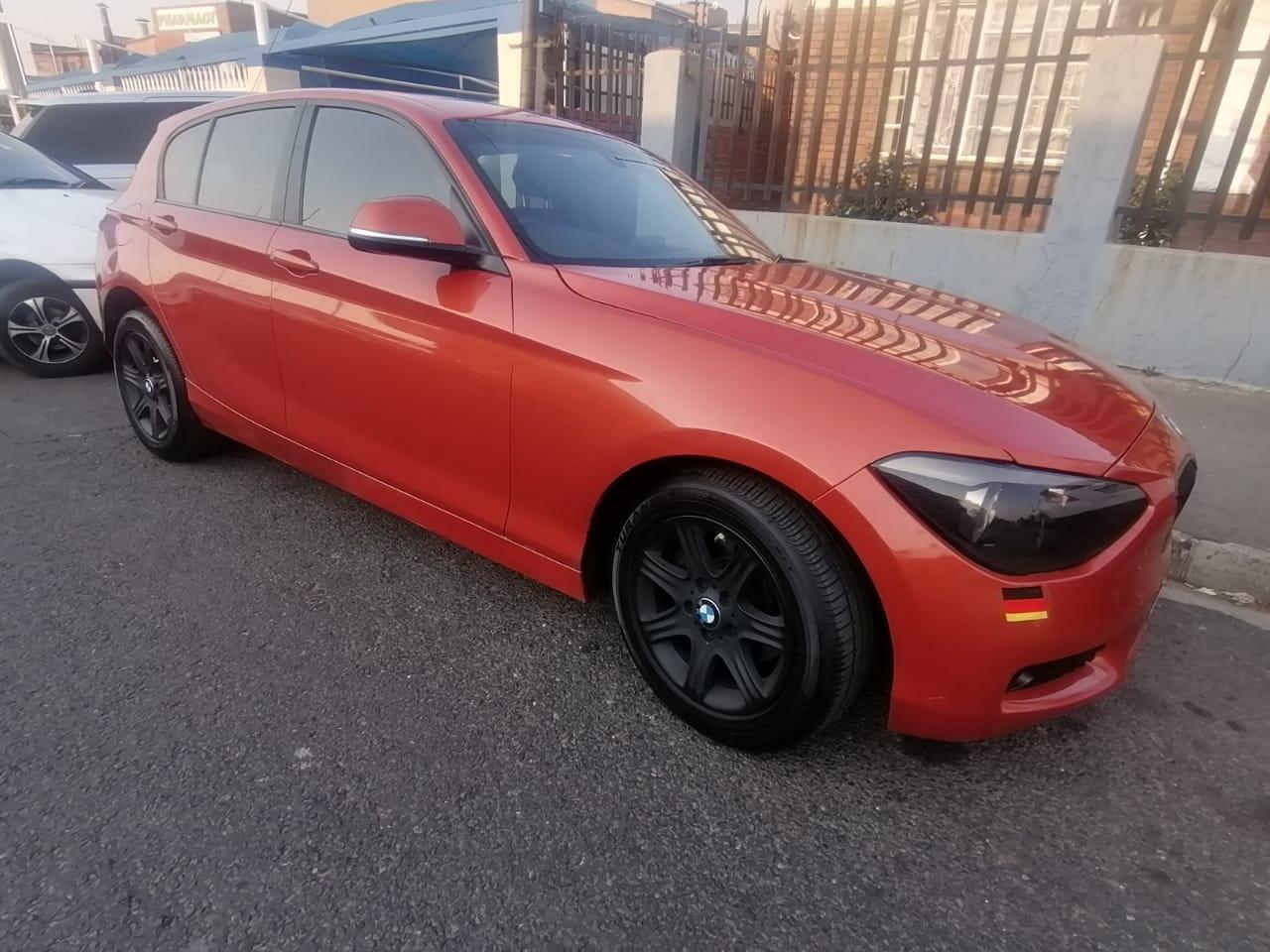 2014 BMW 1 Series 118i 5 door Urban