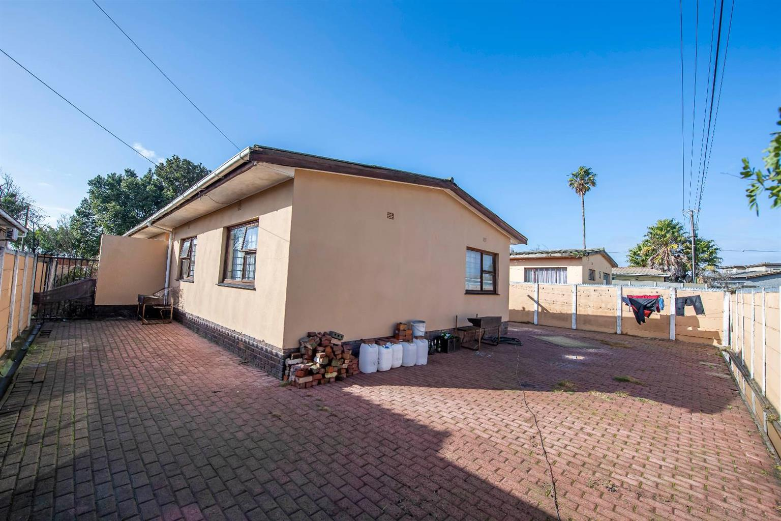House For Sale in Kleinbegin