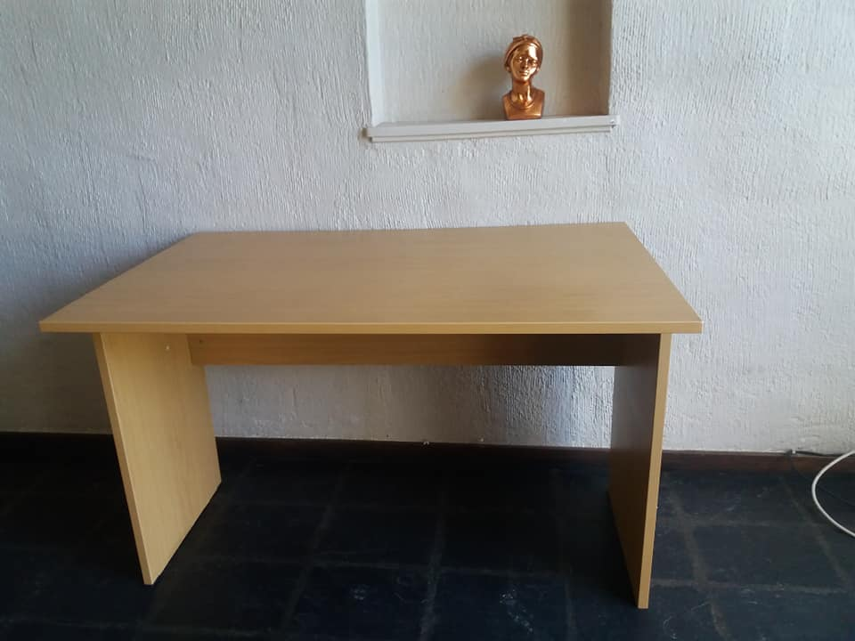 LIGHT WOODEN DESK FOR SALE
