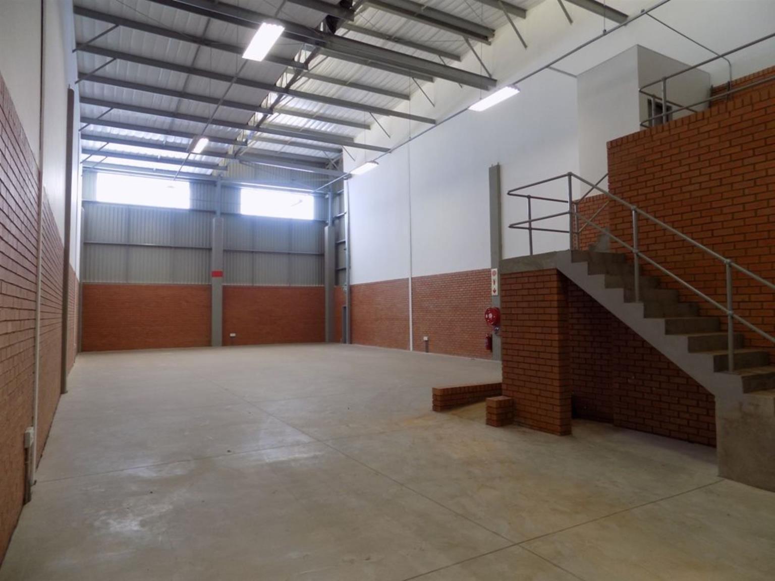 Industrial Rental Monthly in Longlake
