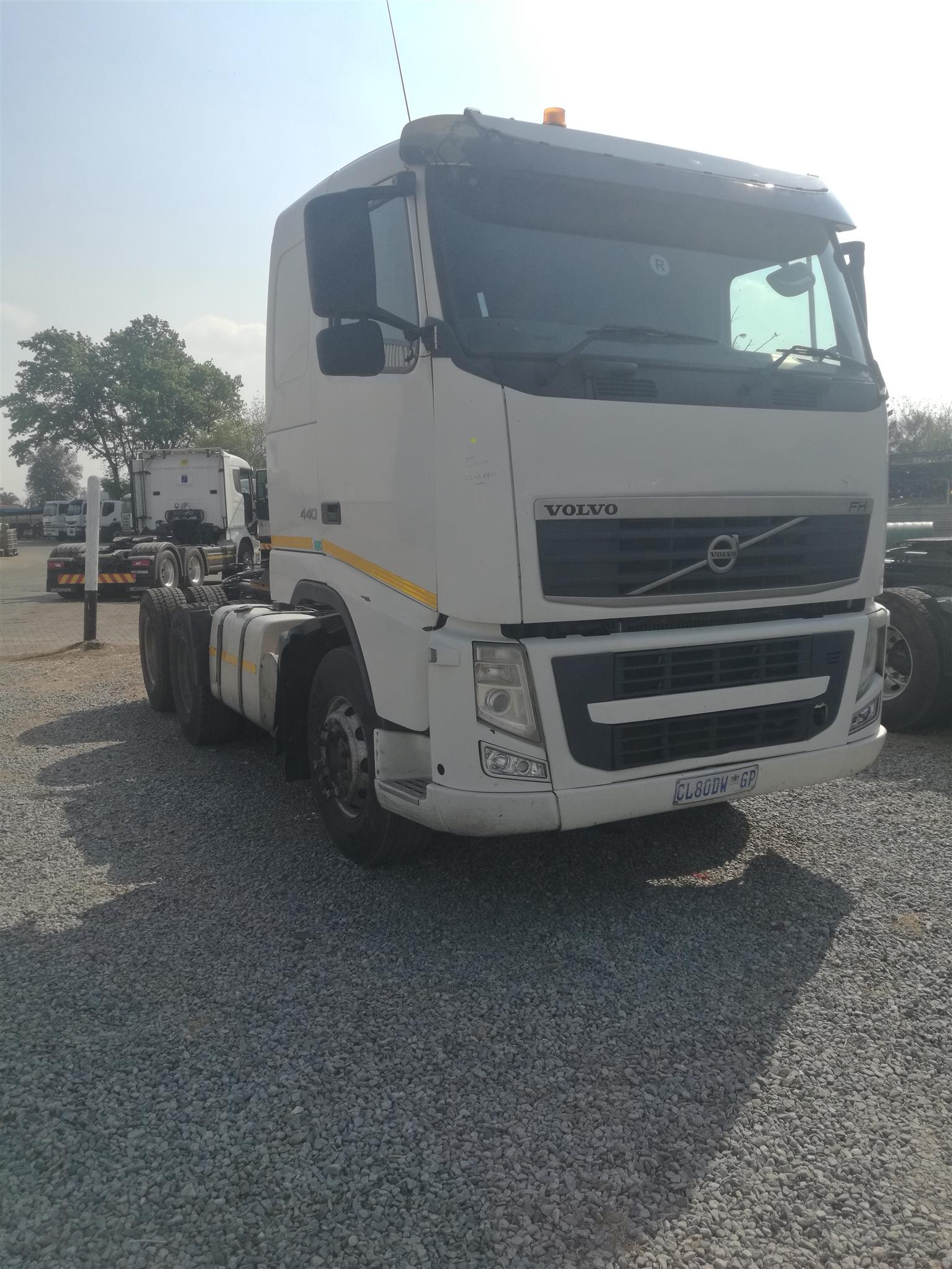 2013 VOLVO FH 440 DOUBLE DIFF HORSE FOR SALE IN GOOD CONDITION.