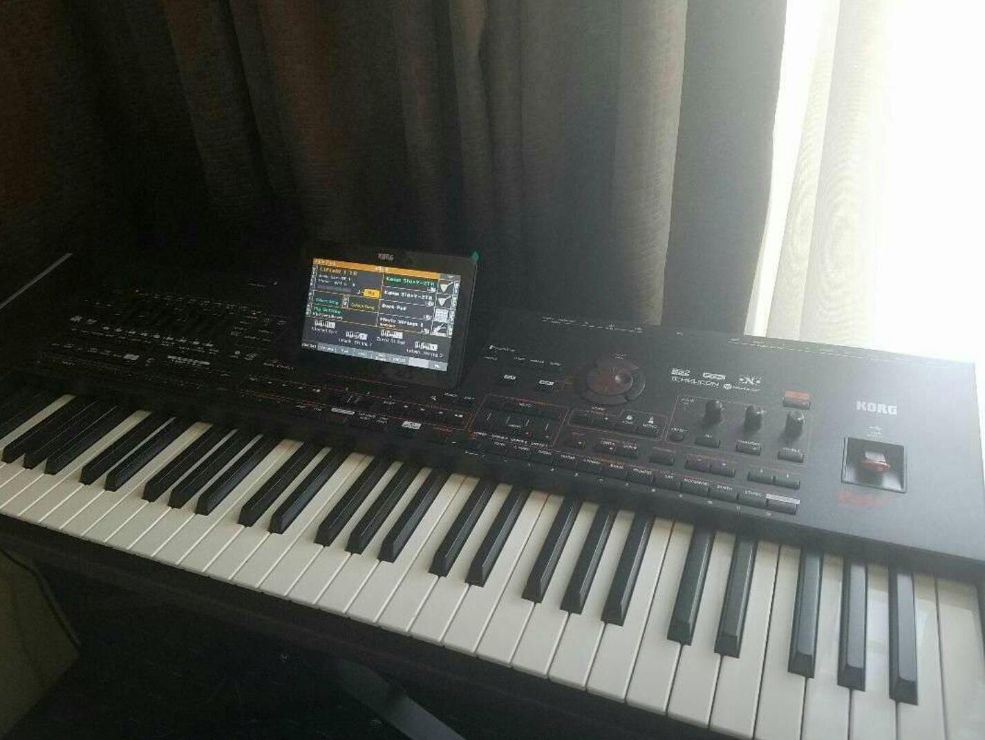 KORG PA4X 61 arranger workstation keyboard