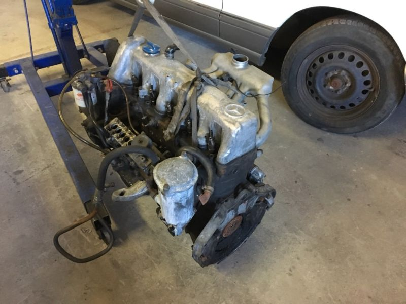 Mercedes-Benz OM617 300d Engine complete or stripping for