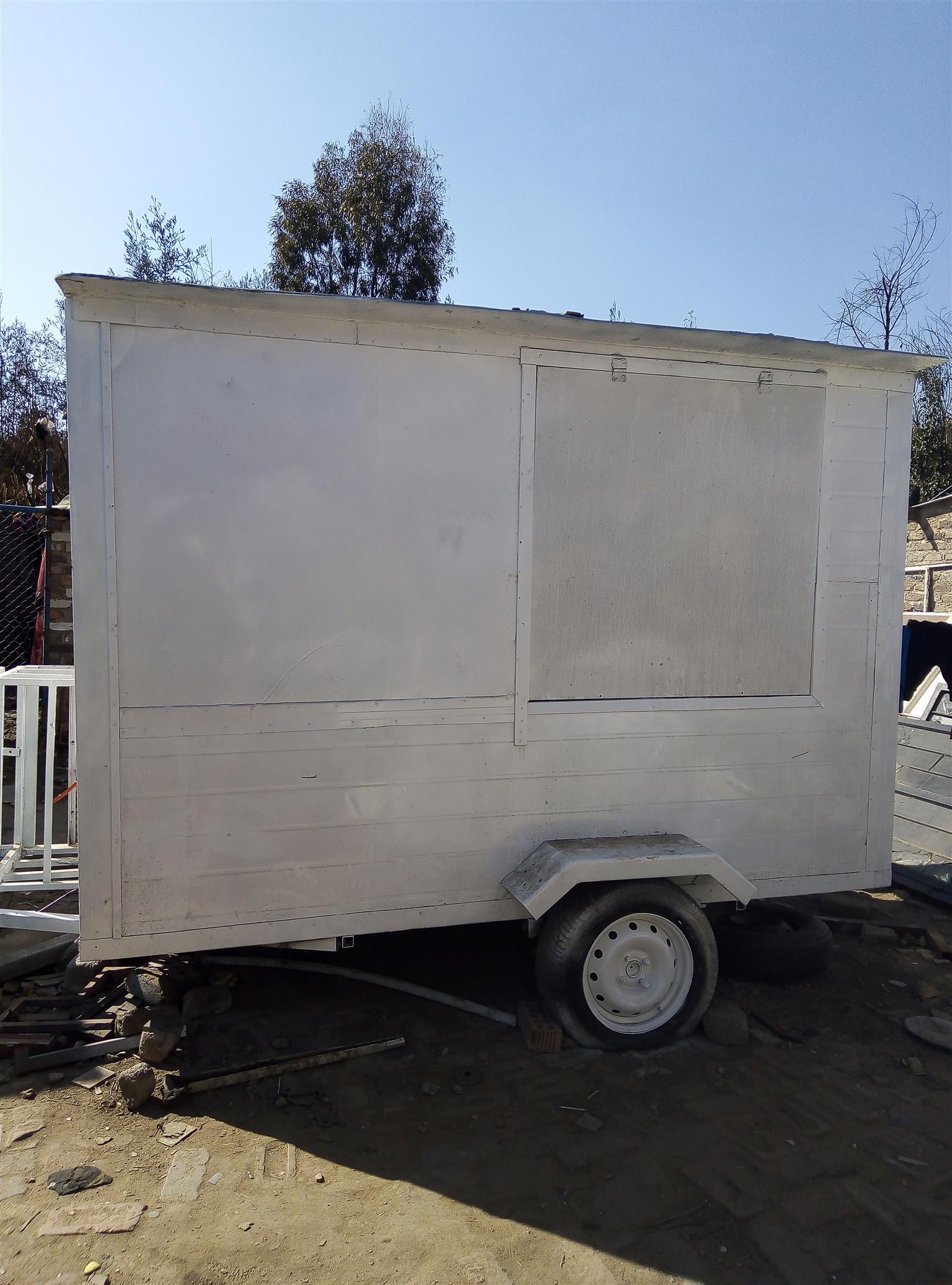 Food vending trailer