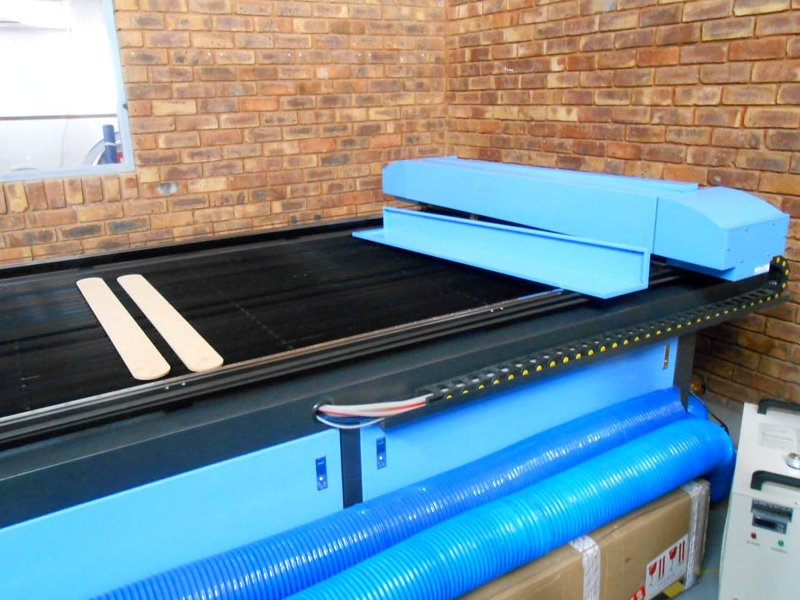 LC2-2030/S100 TruCUT Performance Range 2050x3050mm Flatbed Type, Heavy Weight Fixed Table