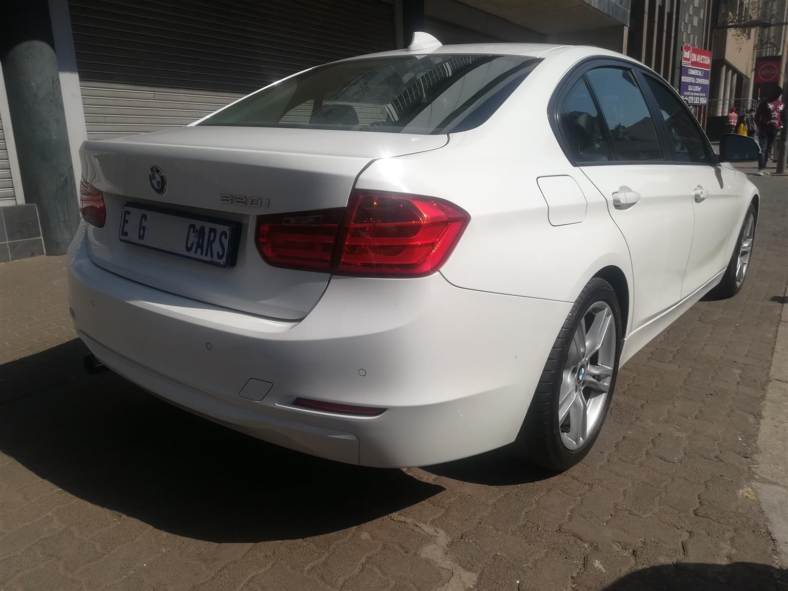 2013 BMW 3 Series 320i Modern auto