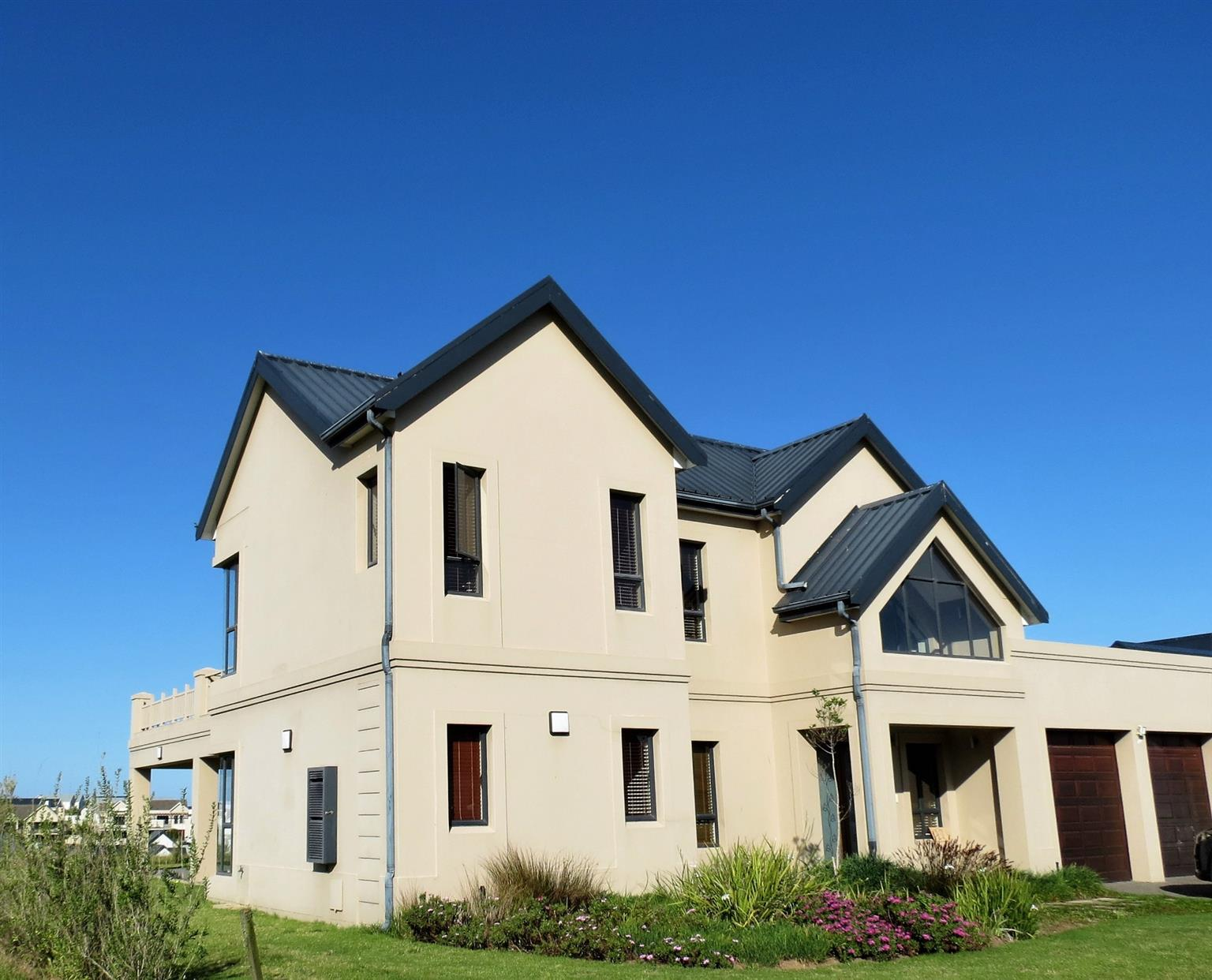 House For Sale in Kingswood Golf Estate