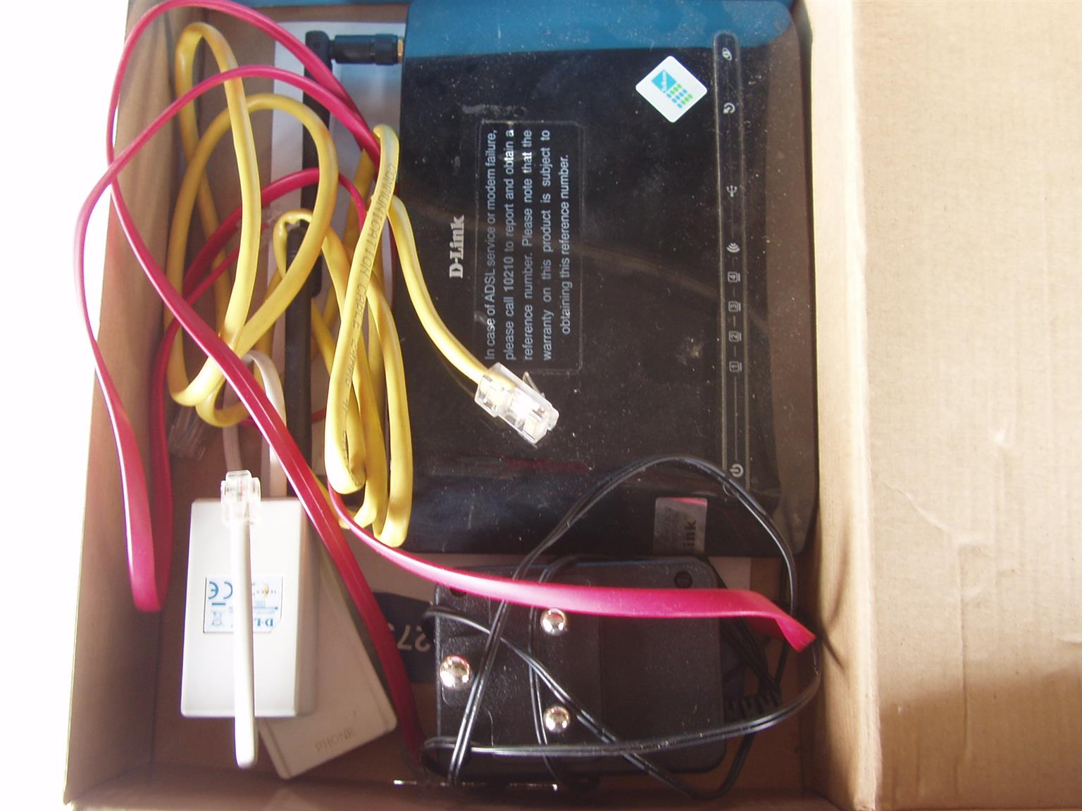Telkom D Link ADSL2+ - Wireless G Router - with cables and driver disk
