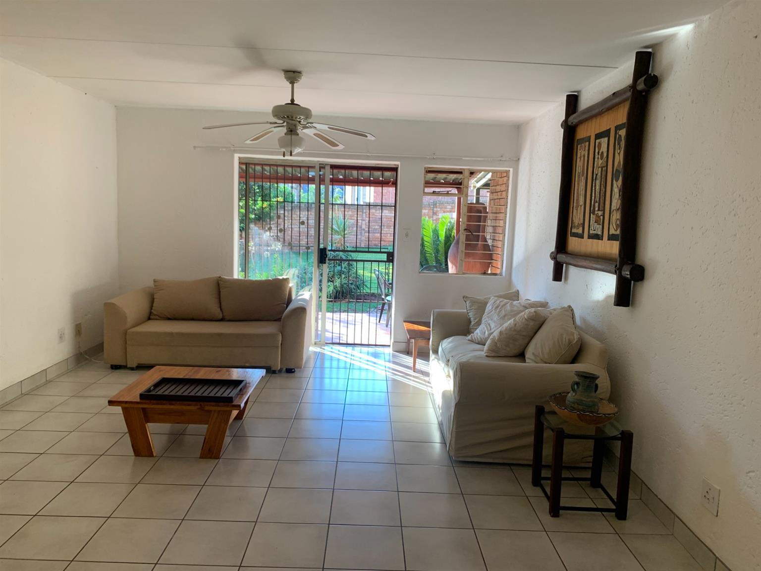Townhouse For Sale in Clubview