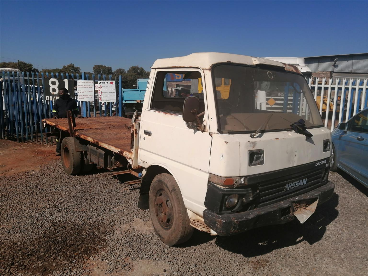 Stripping Nissan caster for spares with L28 engine