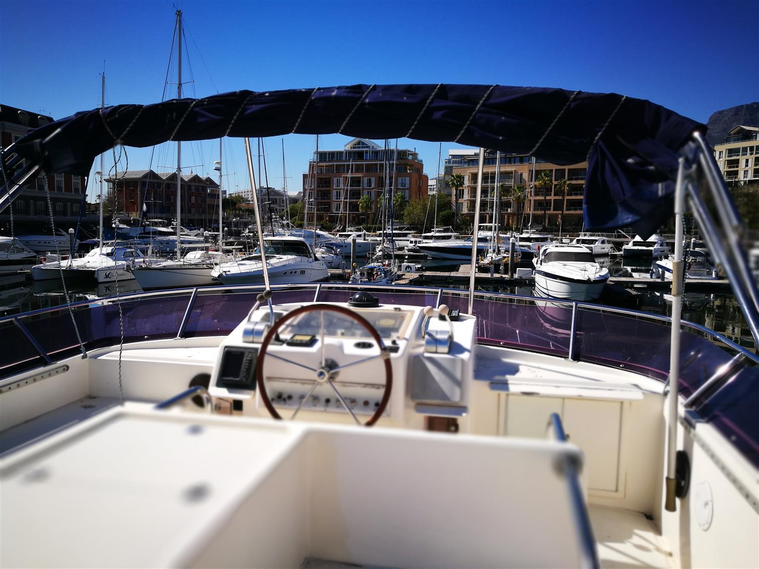 Horizon Yacht 18.8m Yacht - ON AUCTION