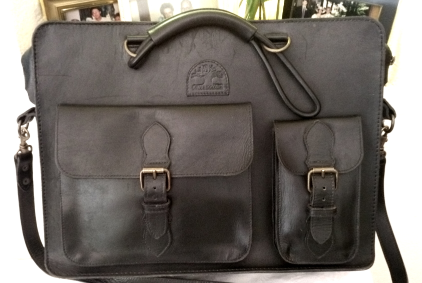 Elegant Leather Top Quality Laptop Bag - 15inch ... Made by GroundcoveR ... Stiching excellent.