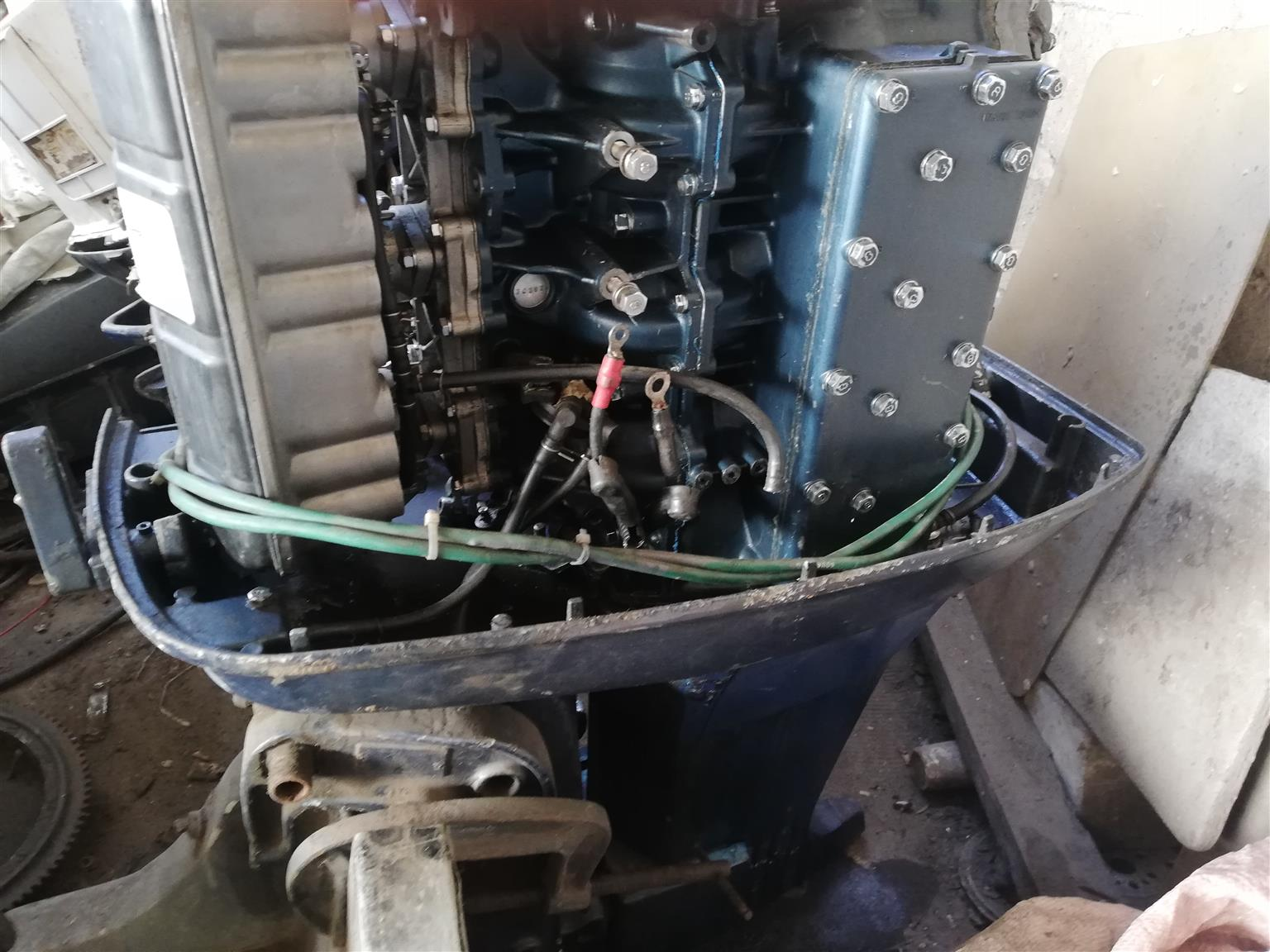 Various outboard motors-Stripping for parts