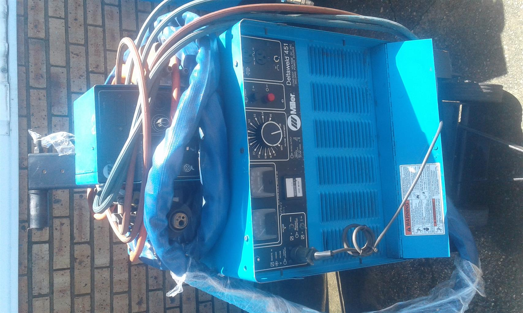 miller deltaweld 451 co2 3phase welding machine