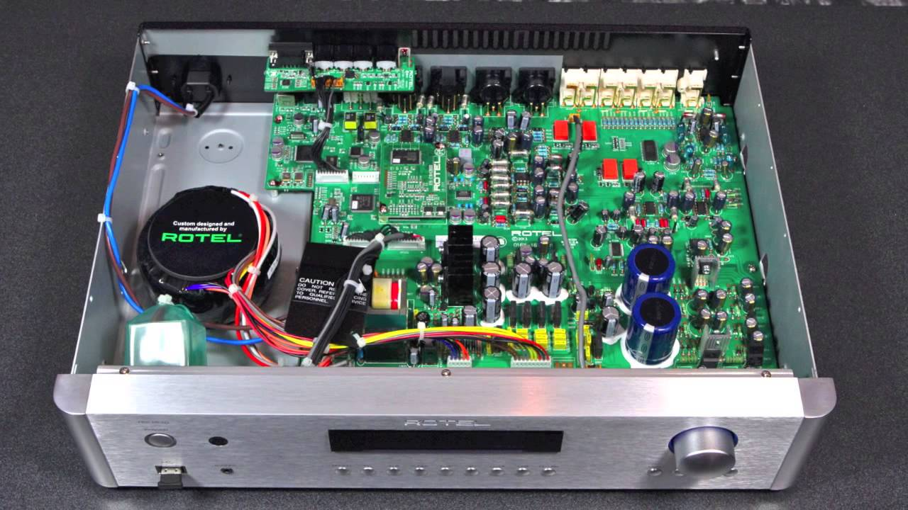 ROTEL RC 1572 STEREO PRE AMPLIFIER