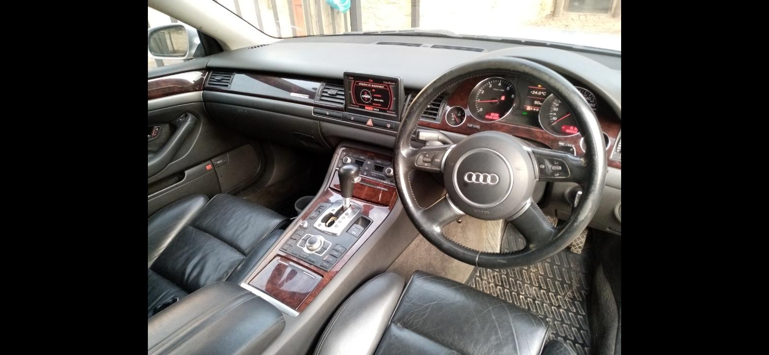 2004 Audi A8 4.2 quattro tiptronic