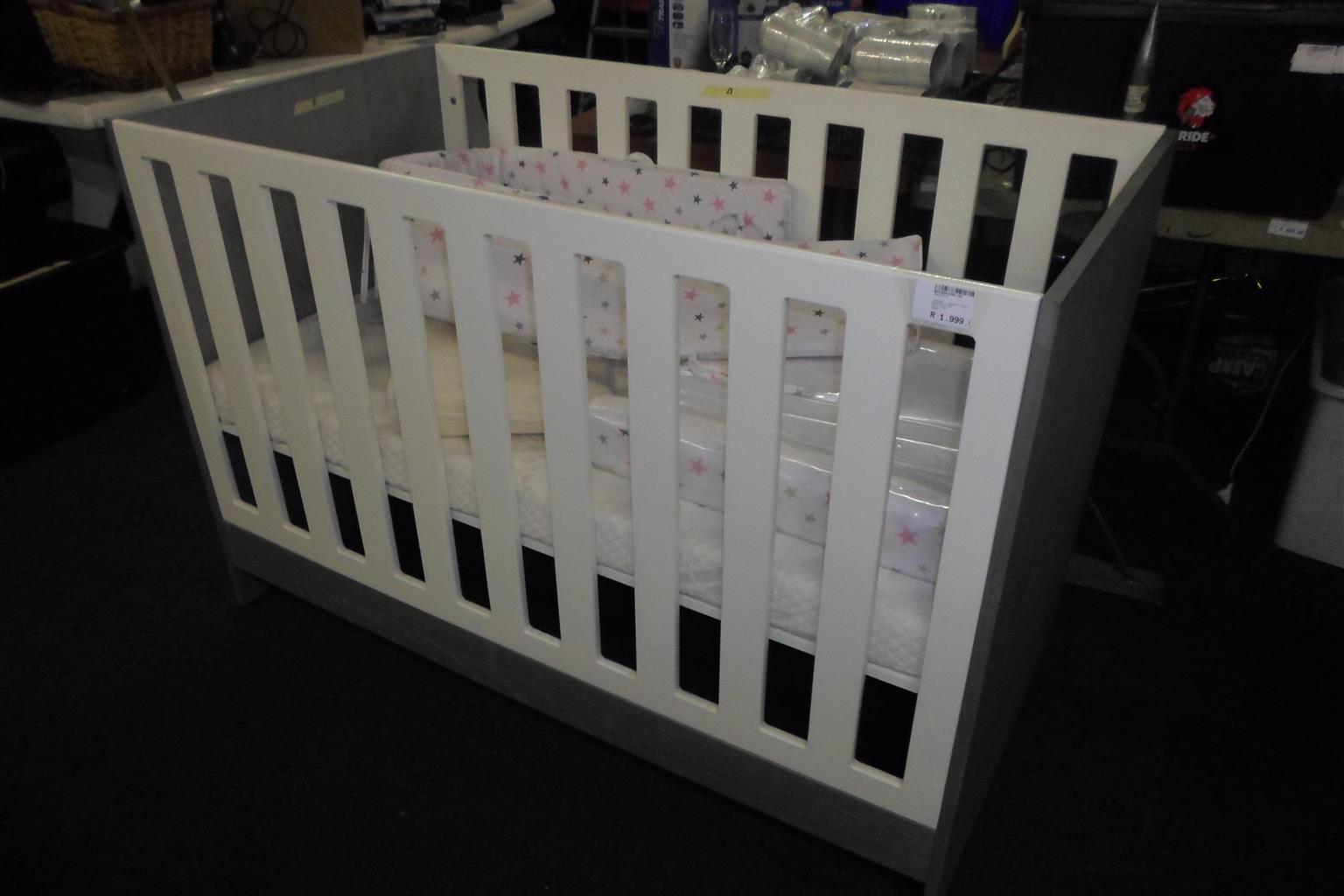 Wooden Baby Cot - B033043391-52