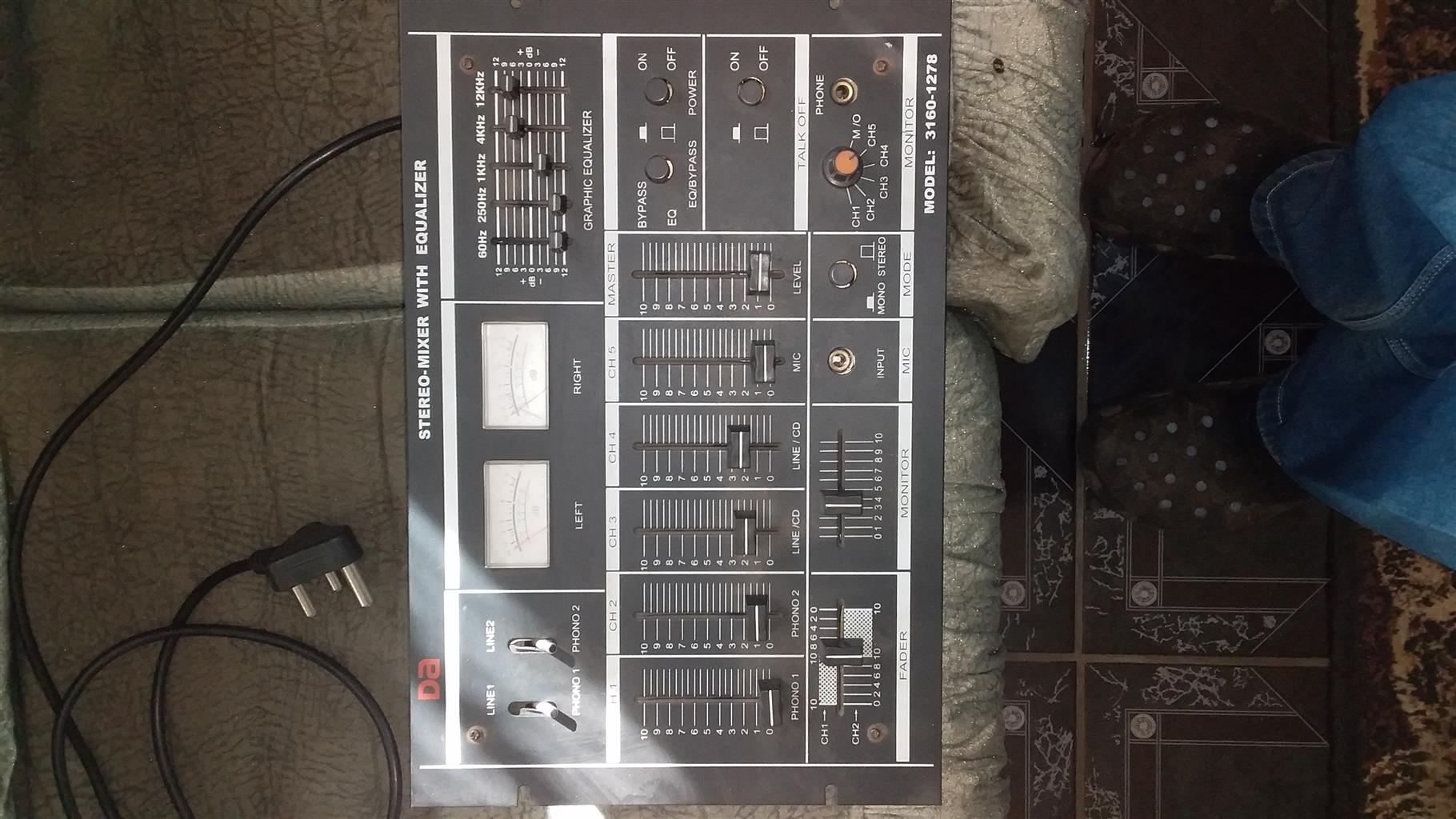 Stereo mixer with equalizer.