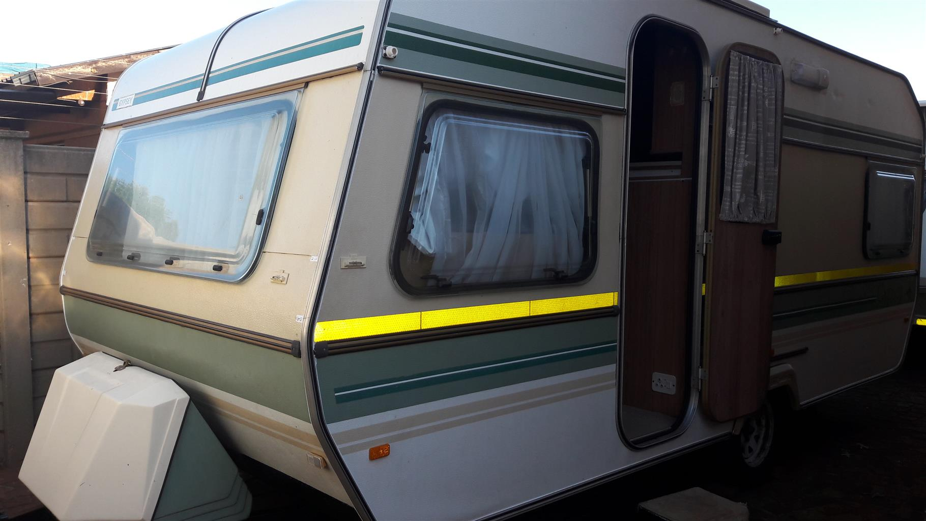 GYPSEY 3 WITH FULL TENT IN EXCELLENT CONDITION MUST BE SEEN