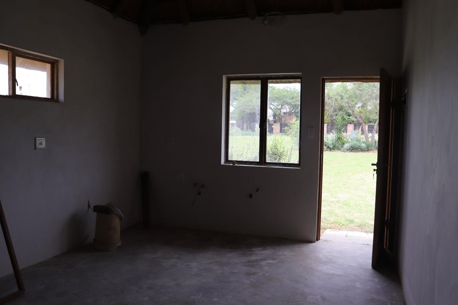 Small Holding For Sale in LEEUWFONTEIN