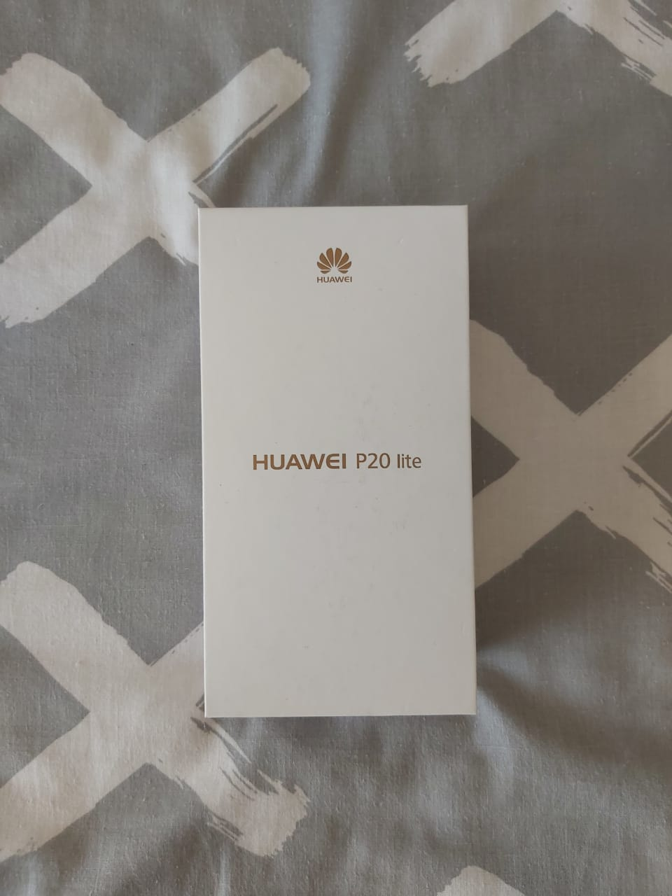 Hauwei P20 lite (like new condition) for sale