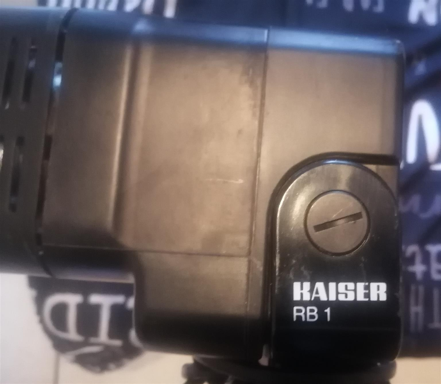 KAISER HFB 5550 Halogen Copy Stand Light Set 650W Adjustable Rails Studio Light