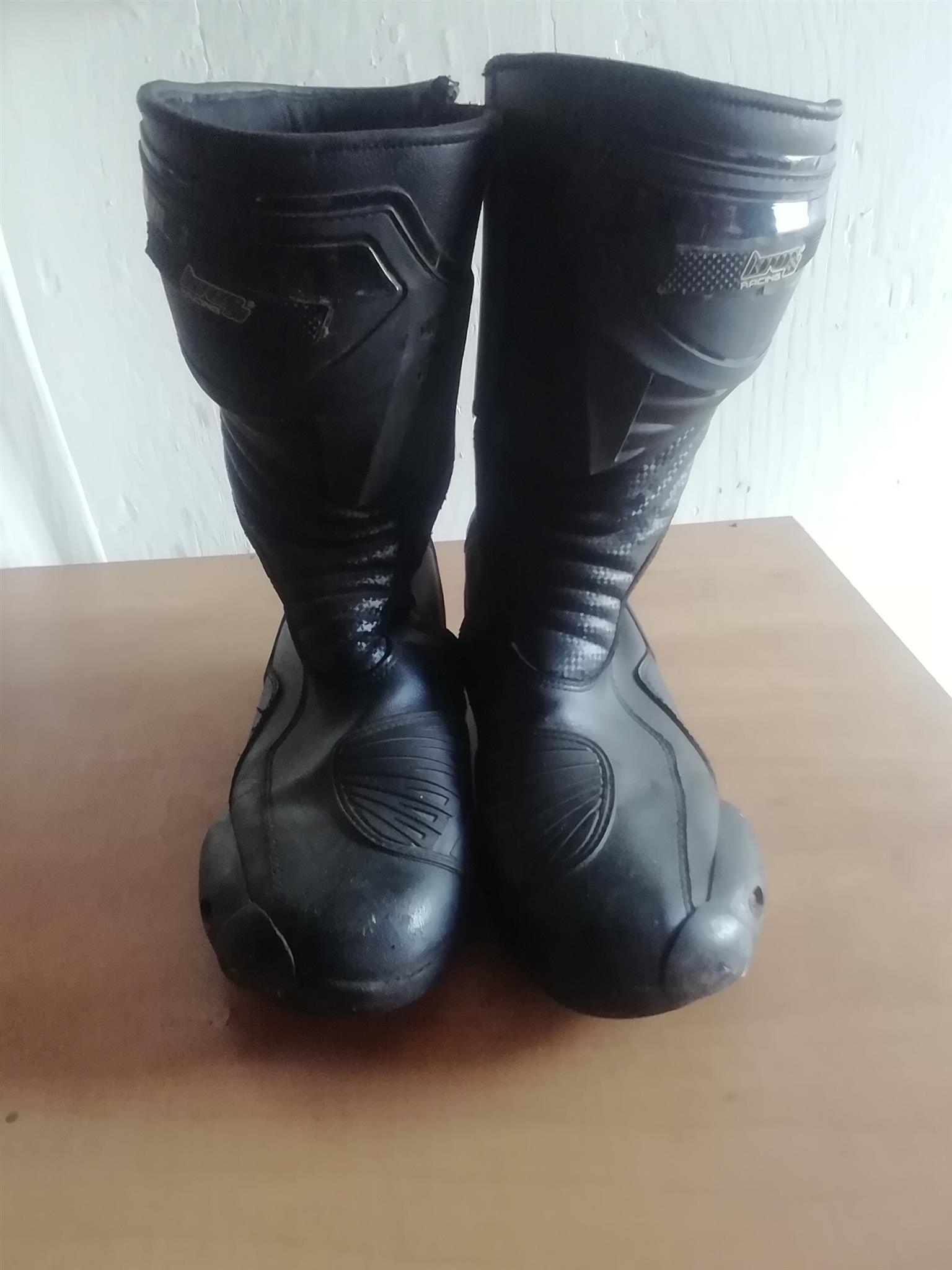 Helmet & boots