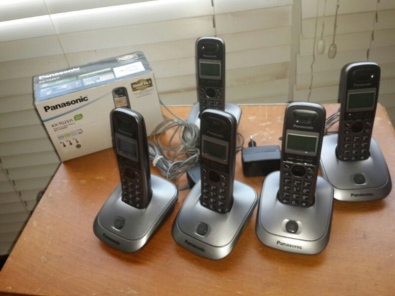 Cordless phones bundle Panasonic Closed down business so no longer required