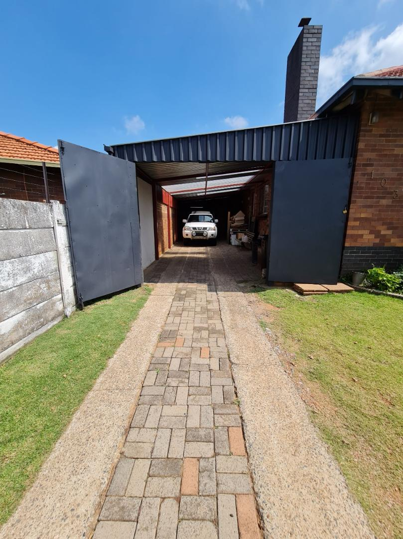 House For Sale in Creston Hill