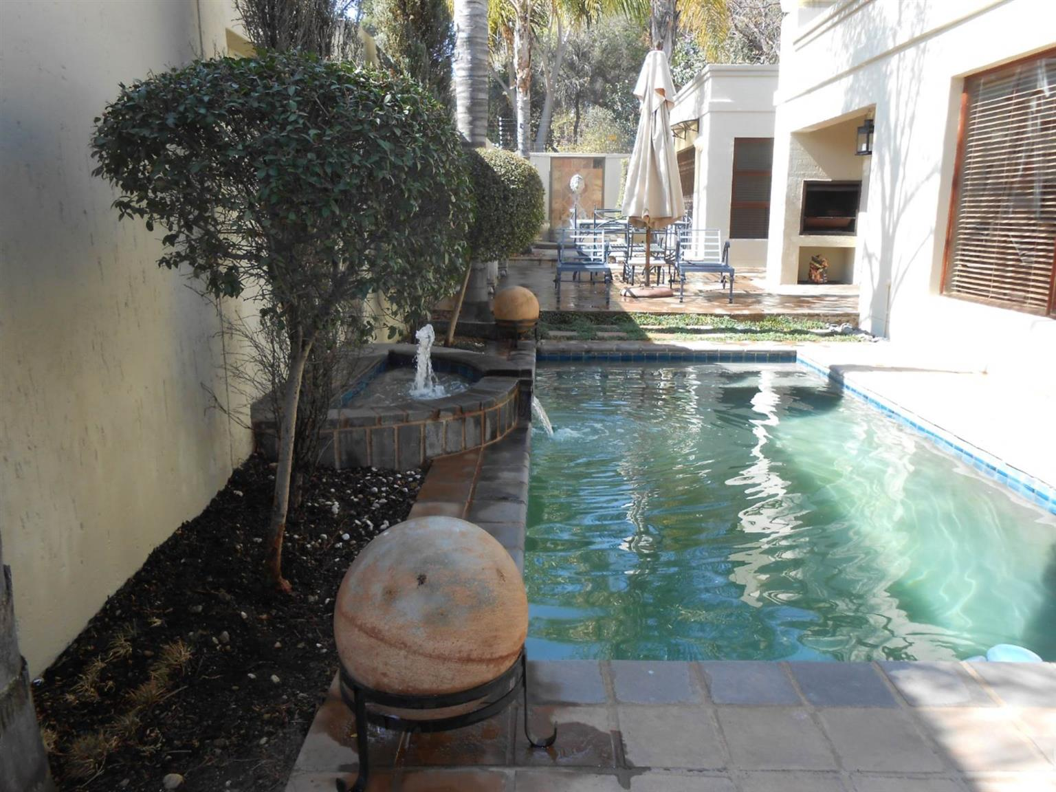 Cluster Rental Monthly in SUNNINGHILL