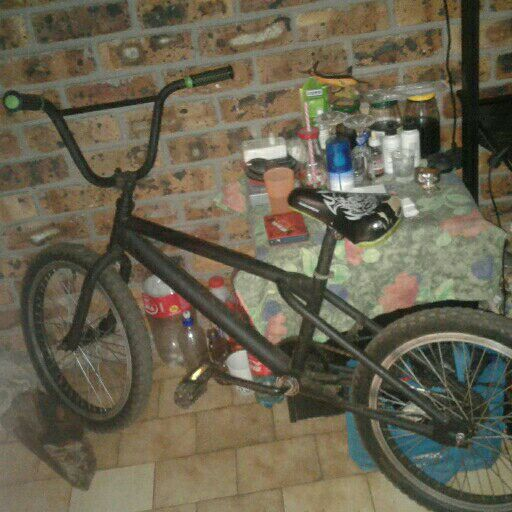 hi i want to sell my two bicycles it only needs some work whatsapp me or call