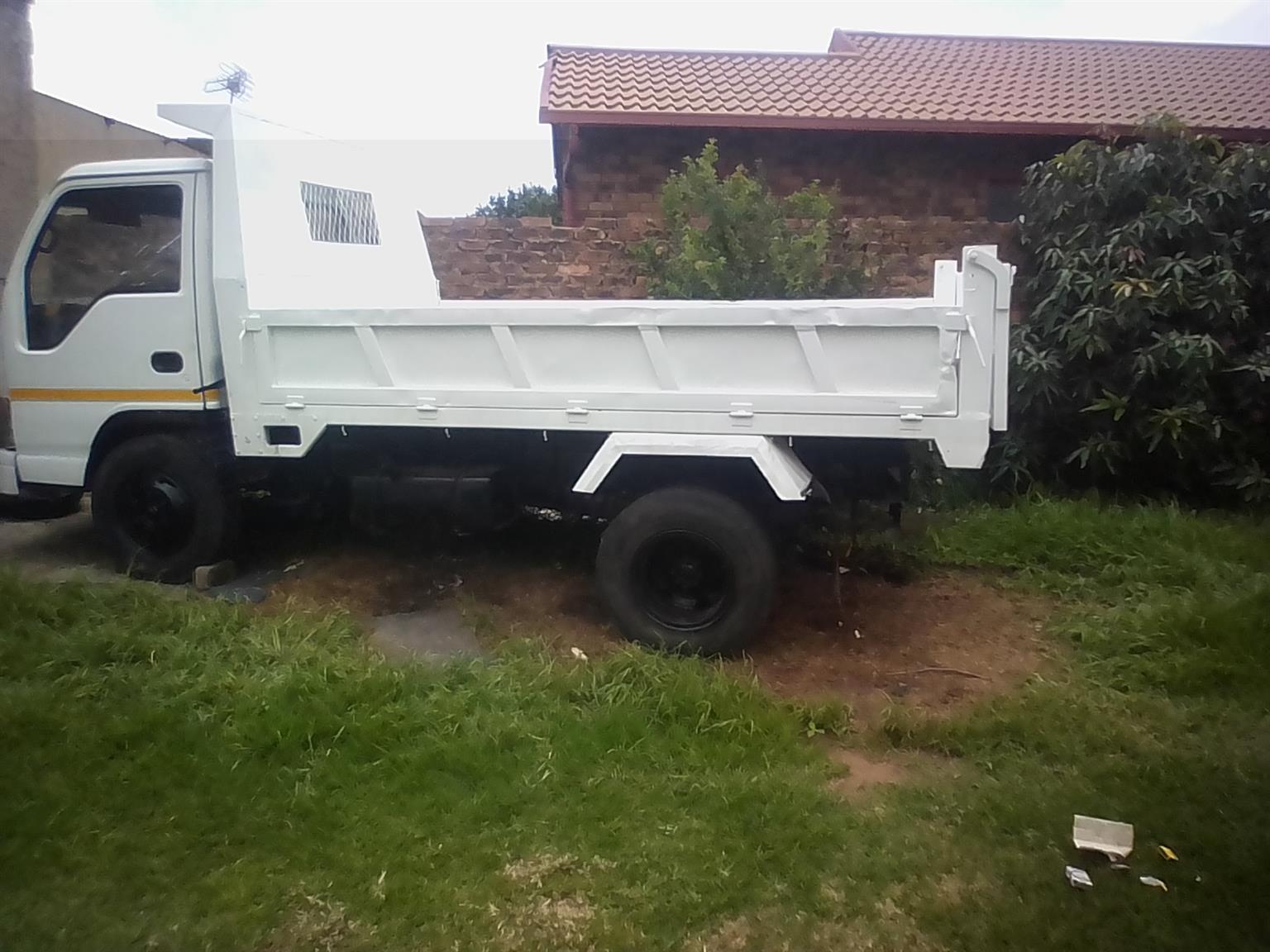 Asia Wing 3.3 diesel tipper truck for sale in Ebony Park, Midrand