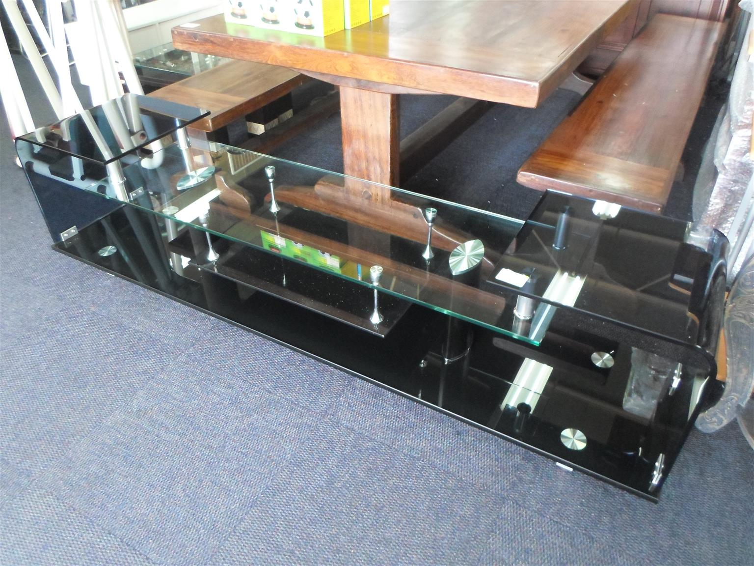 Glass Plasma Stand