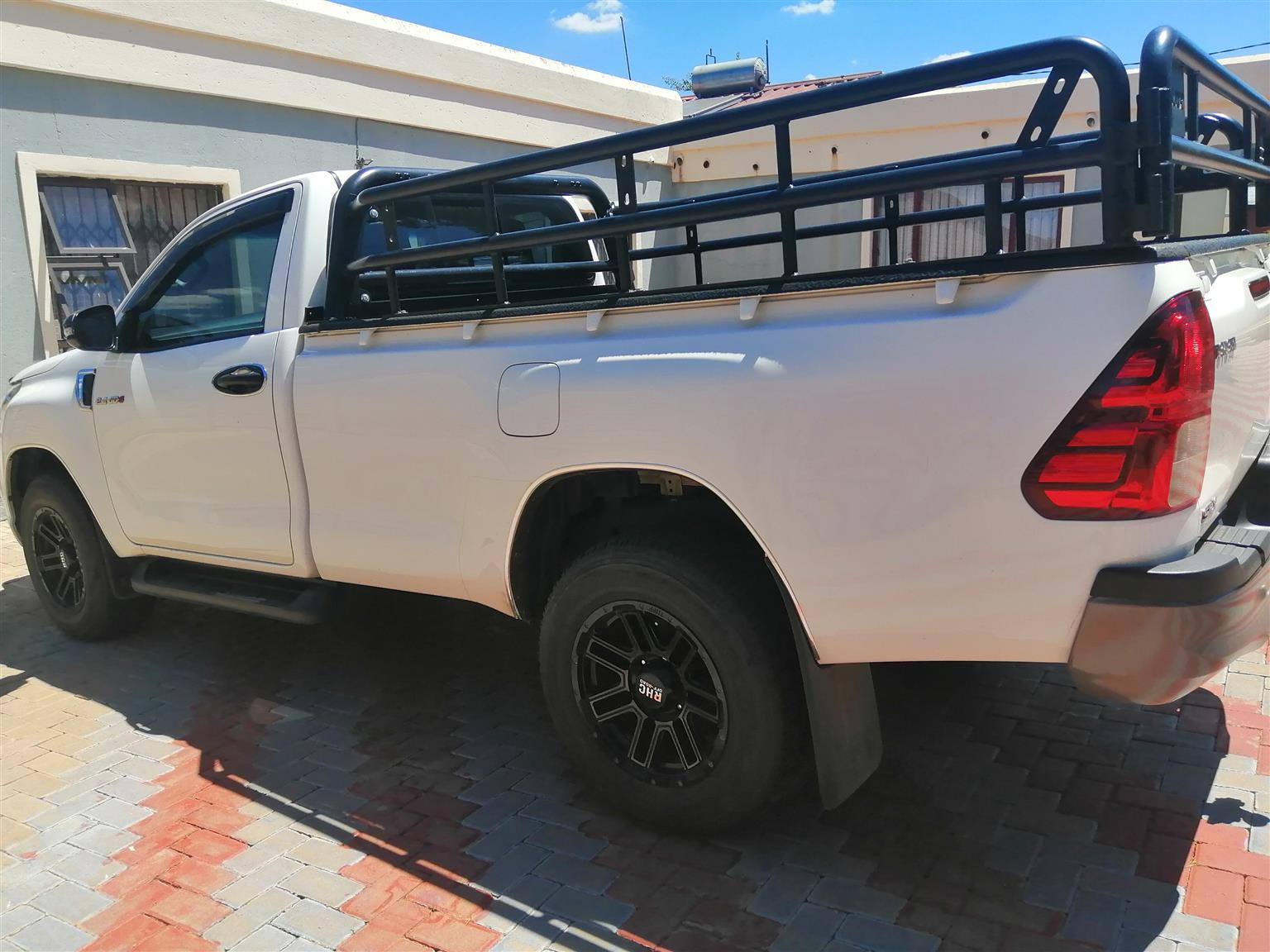I am selling canvas frame for Toyota hilux 2019 model