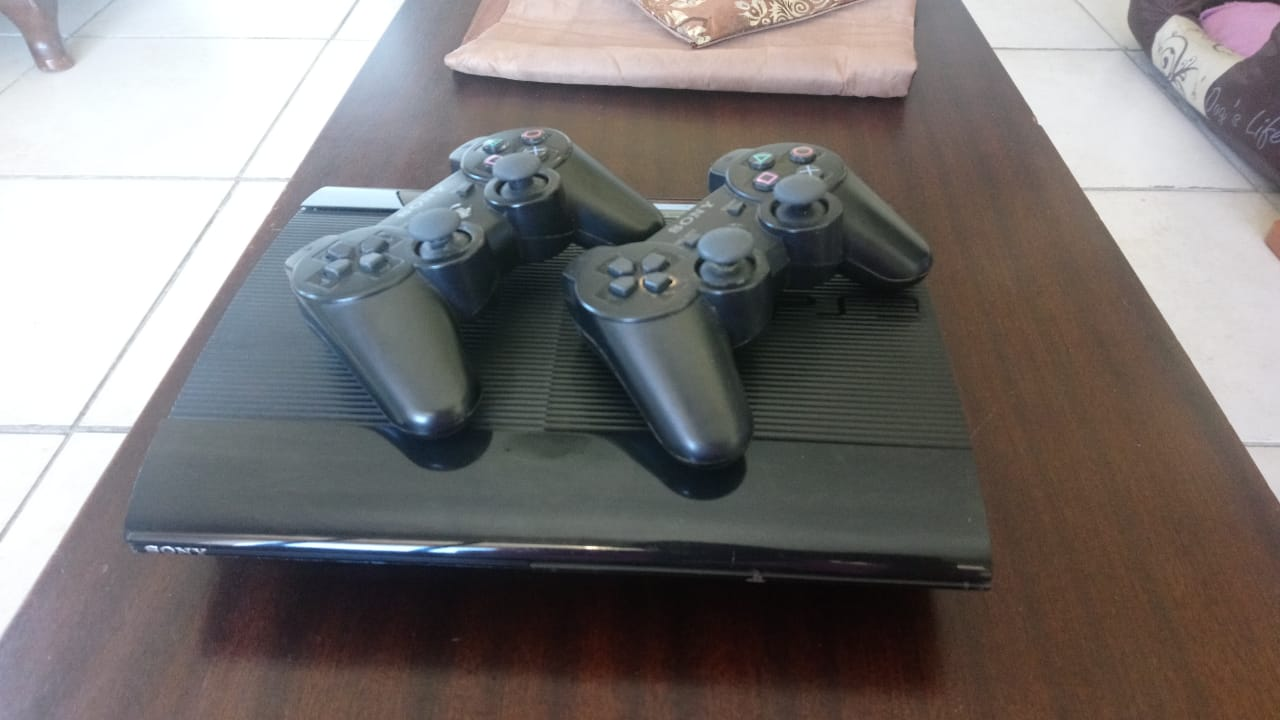 Ps3 500gb 2 Controllers Games Junk Mail Sony Ps4 Dvd Fifa 2015