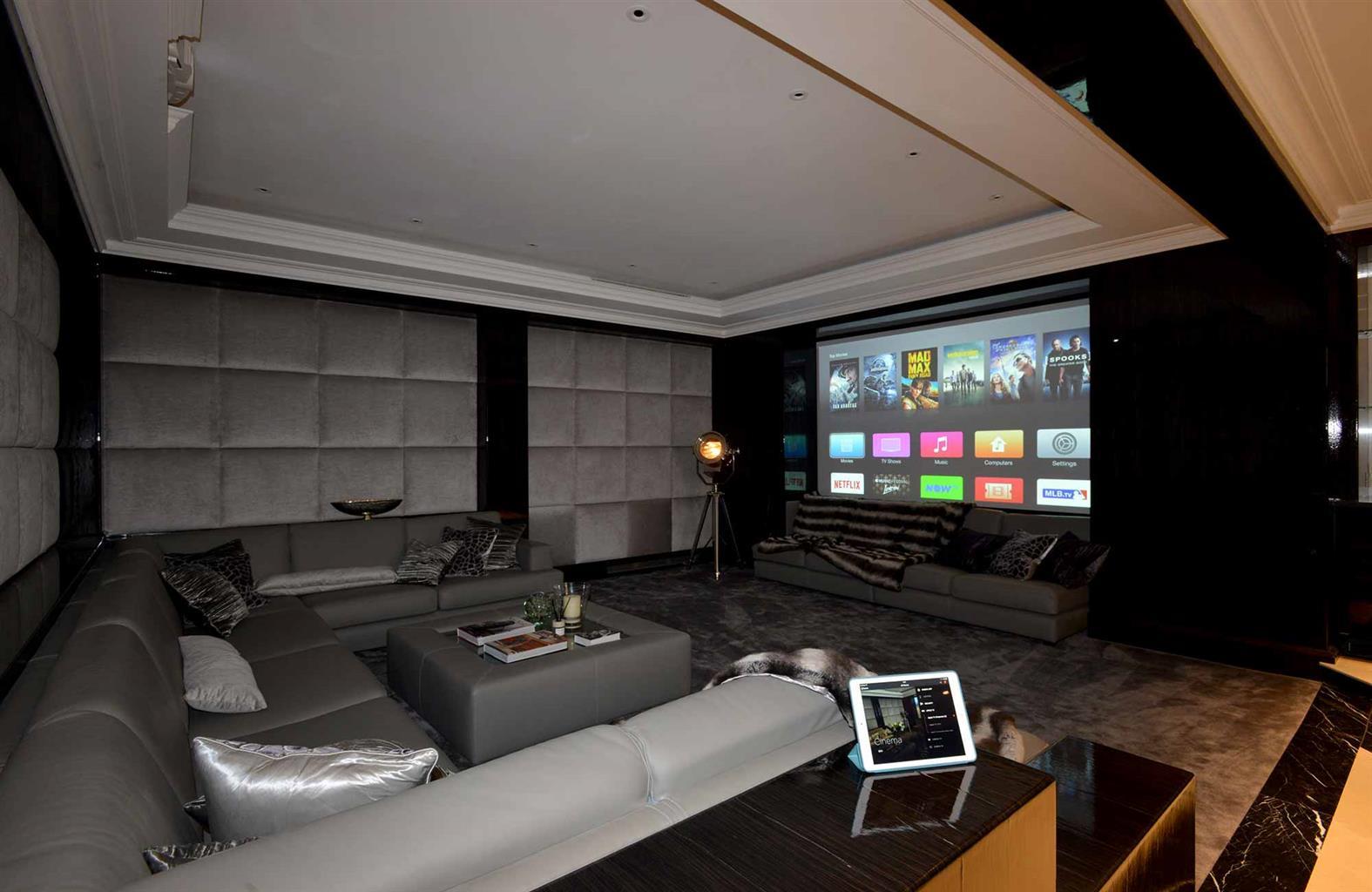 Huge Projector Screens