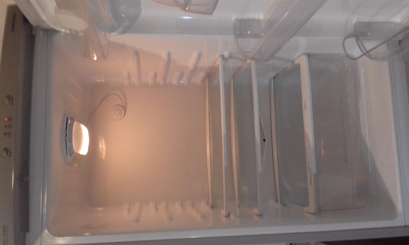 370L Samsung Cool n Cool Fridge Freezer