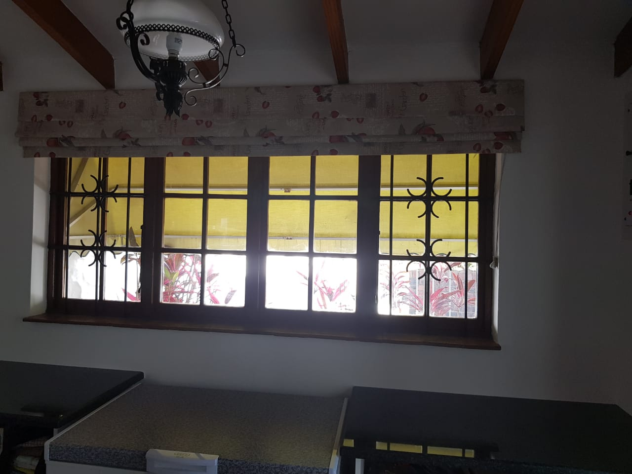 Roman blind set in very good condition!